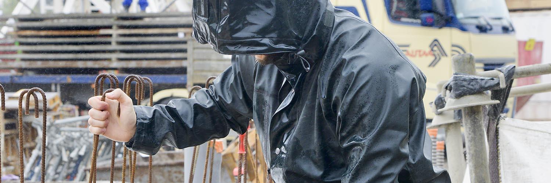 Vêtements de pluie : travailler couvert - Côté Pro